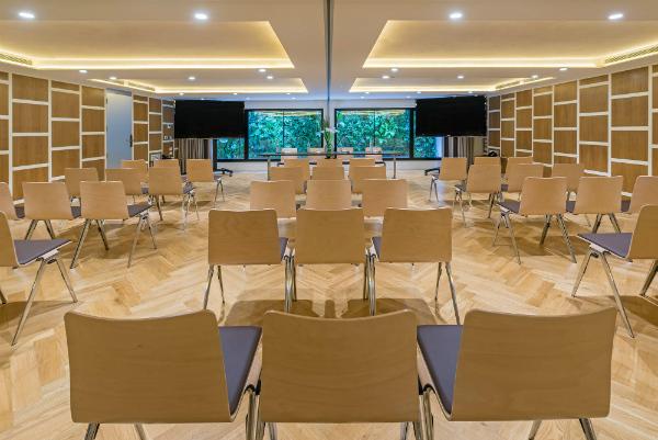 salle de reunion en theatre pour une conférence