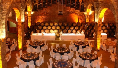 Une soirée de gala originale dans une cave de cava près de Barcelone